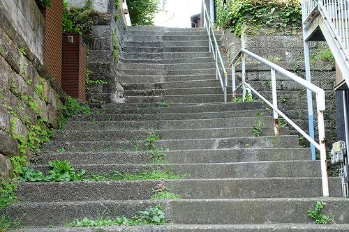 階段ではフォロー体制に