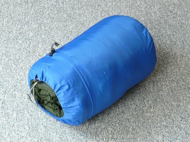 ミニマリストは寝袋で寝ると世界が変わるよ!1個あると超便利