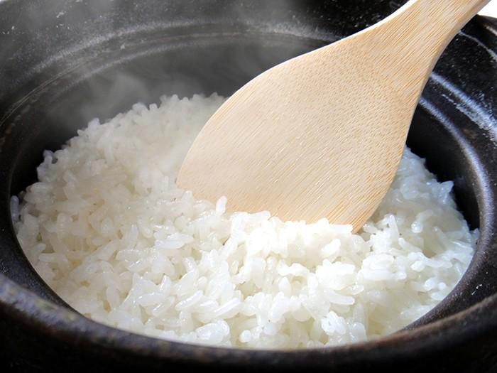 ミニマリストの持ち物といえば土鍋!「炊飯器を捨て米を炊く」