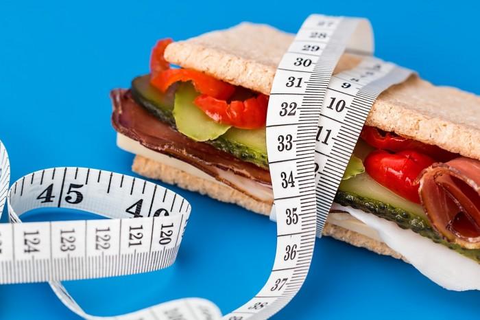 1ヶ月で5キロ痩せる方法「我慢しない!食べるダイエット方法とは?」