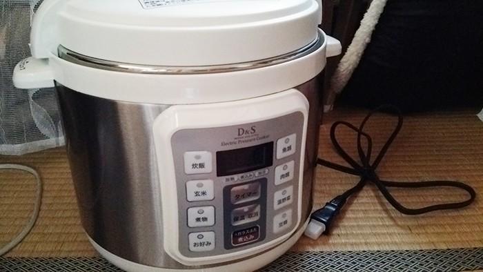 電気圧力鍋の口コミ「予約炊飯できる」マイコン式STL-EC01