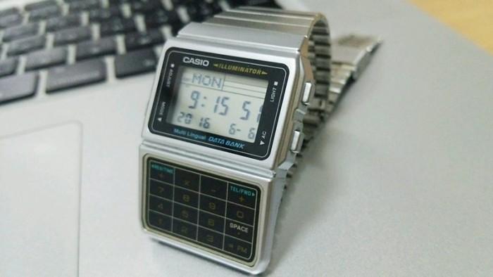 デジタル腕時計カシオ「DBC-611」